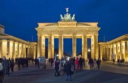 Βερολίνο (Κάθε Τετάρτη και Παρασκευή)